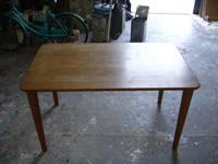 テーブルの塗り替え 工程1